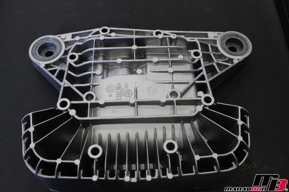E46M3リヤからガタガタ音修理の作業画像
