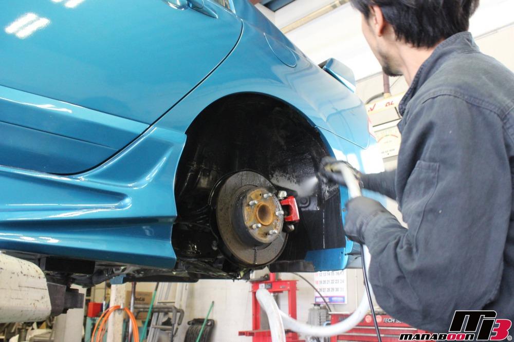 シビックタイプR車検の点検整備作業の画像