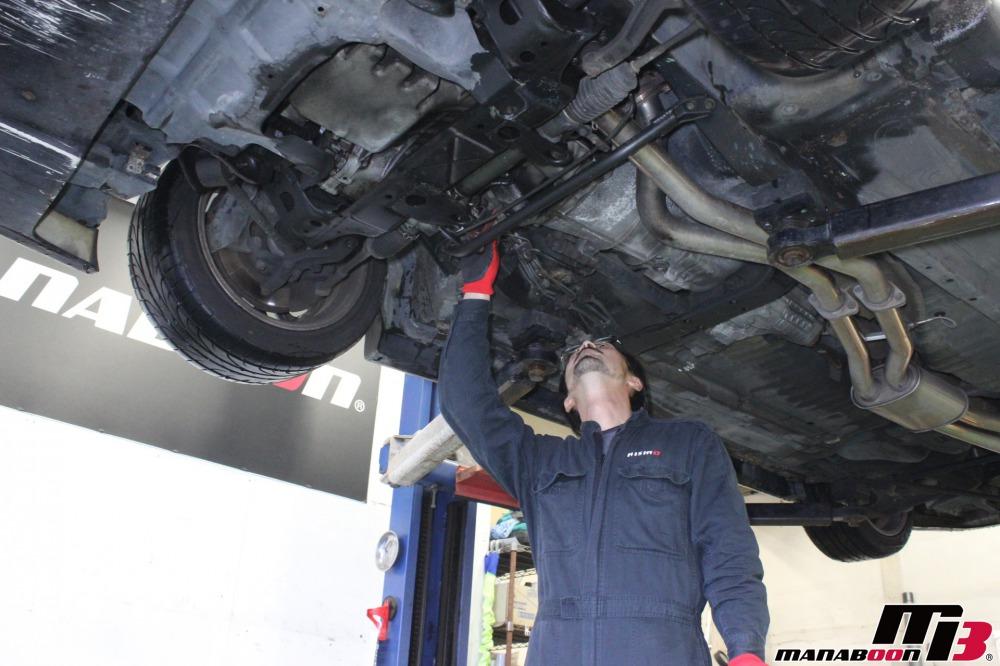 スカイラインGT-R不動車点検整備作業の画像