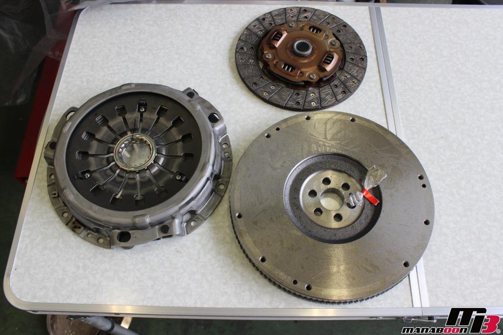 スカイラインGT-Rクラッチ交換作業の画像