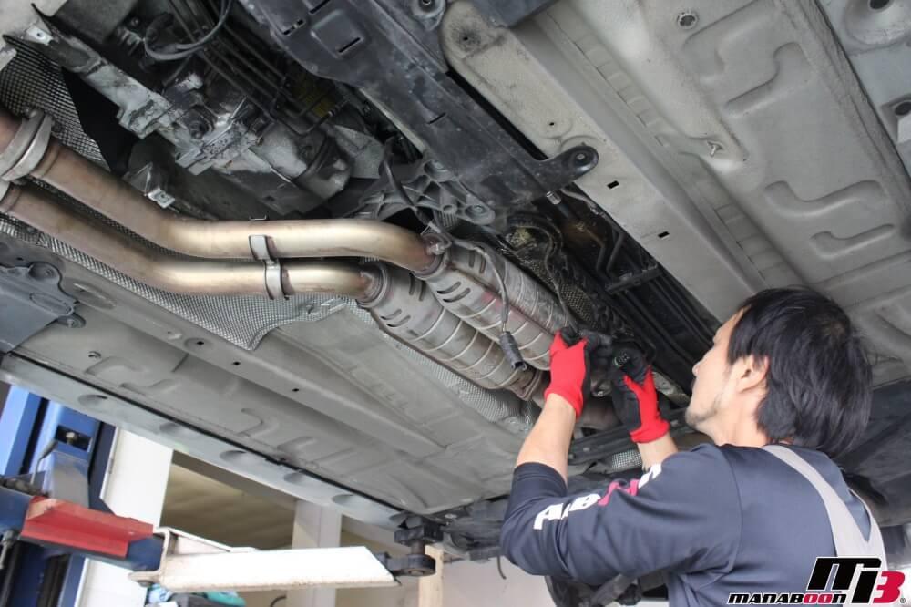 E46M3リヤデフからのオイル漏れ修理作業の画像