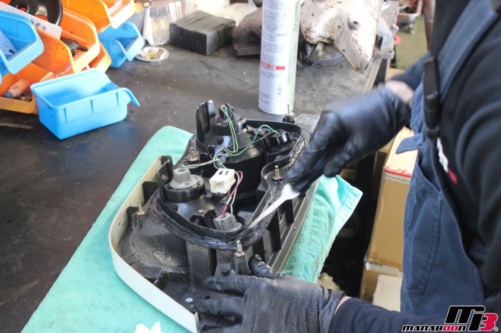 スカイラインGT-R(BCNR33)雨漏れ修理作業の画像