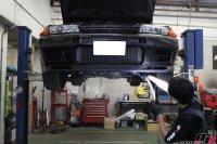 スカイラインGT-Rエンジンオイル交換作業の画像