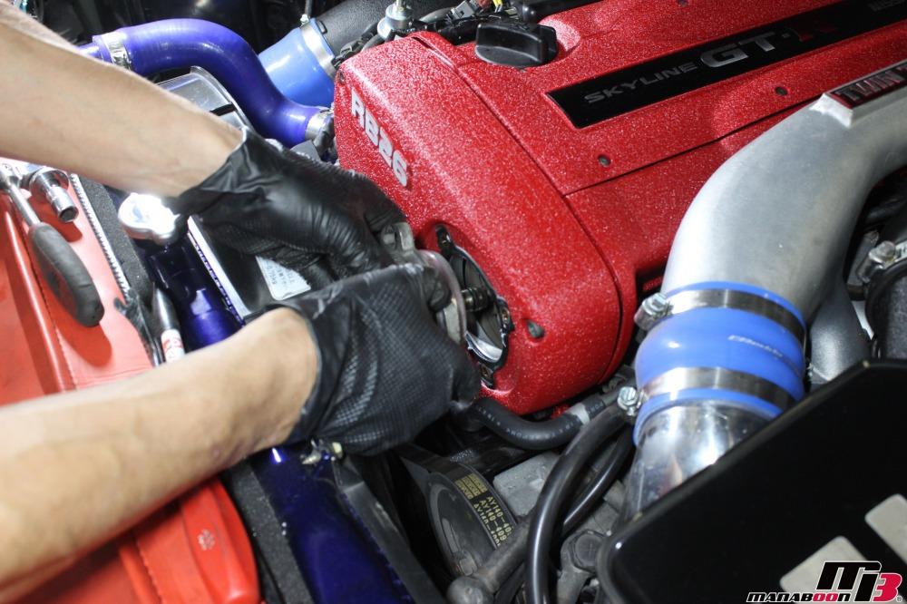 スカイラインGT-Rクランク角センサー交換作業の画像