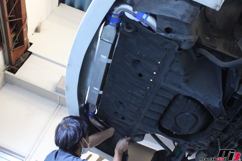 チェイサーツアラーV(JZX100)インタークーラー取付作業の画像