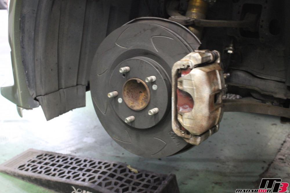 S2000ブレーキキャリパーオーバーホール作業の画像