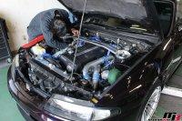 スカイラインGT-R燃料フィルター交換作業の画像