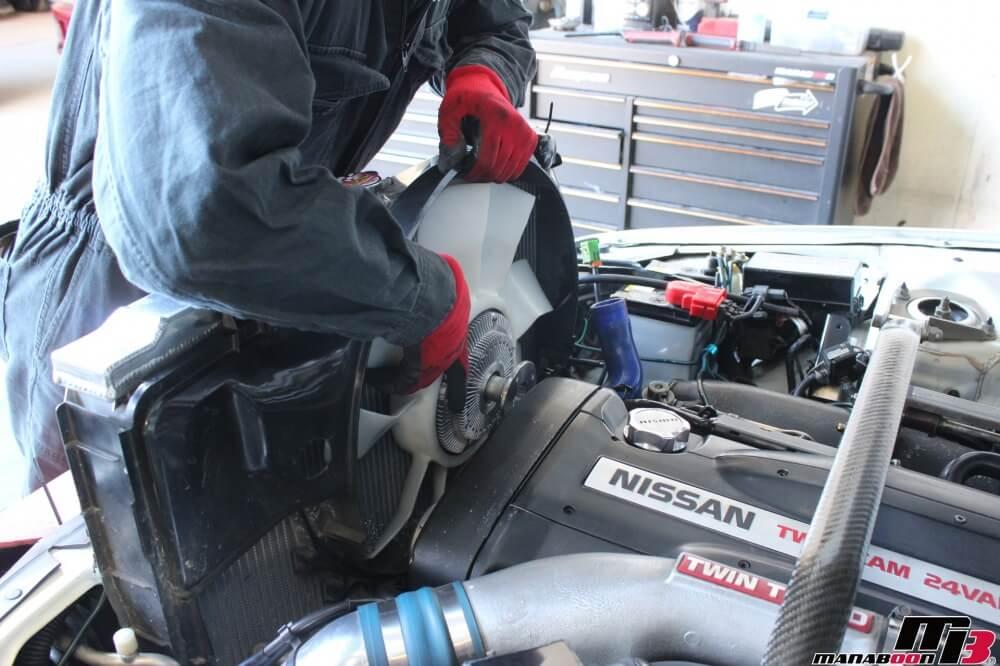 スカイラインGT-Rカップリング交換作業の画像