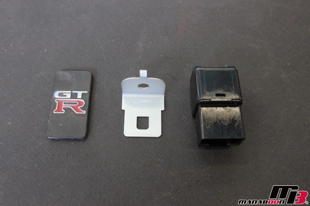 スカイラインGT-Rウインカー音修理作業の画像