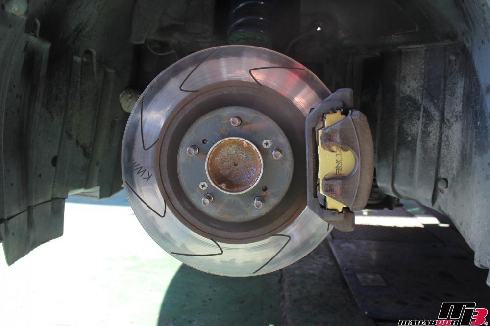 S2000ブレーキパッド交換作業の画像