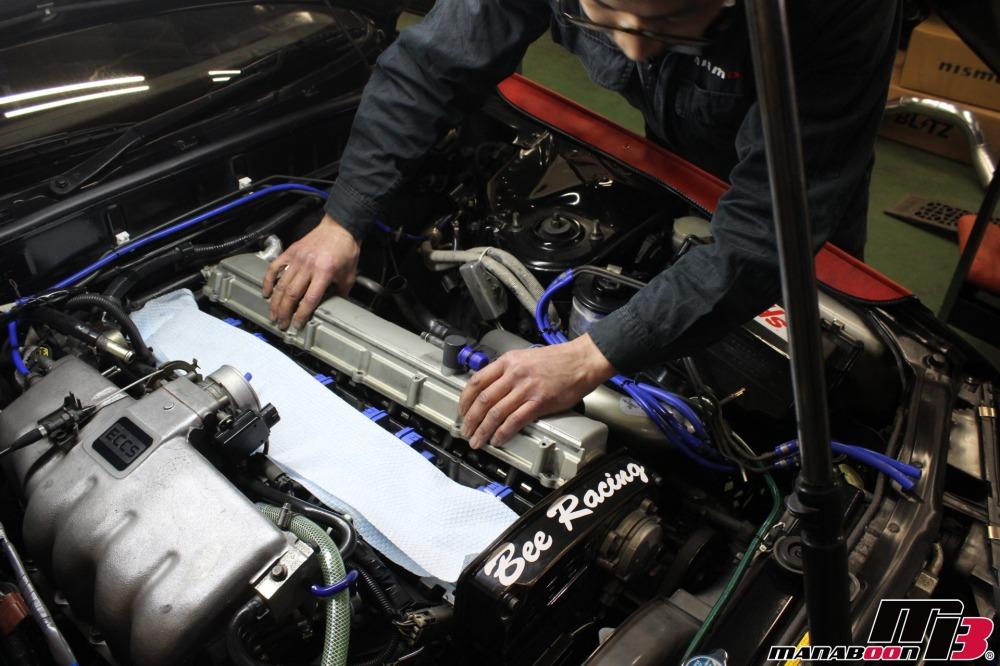 R32スカイラインオイル漏れ修理作業の画像