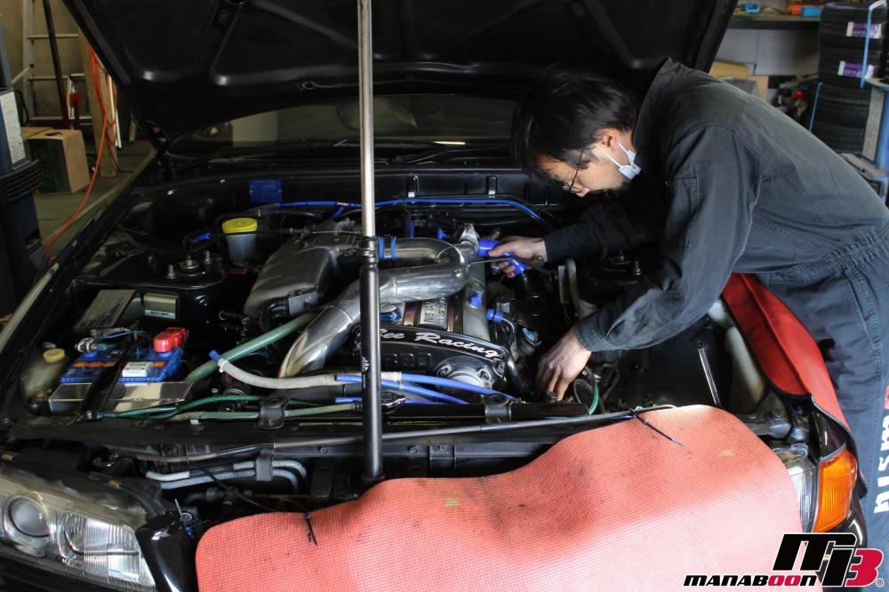R32スカイラインパワステオイル漏れ修理作業の画像