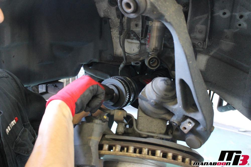 スポーツカー車検点検整備作業の画像