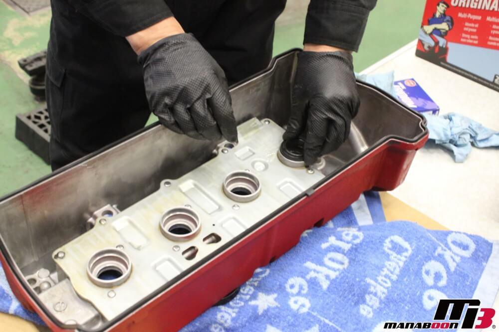インテグラタイプRオイル漏れ修理作業の画像