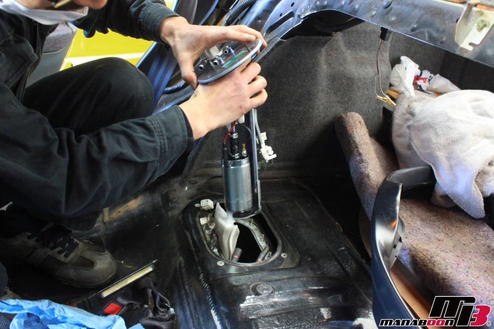 インプレッサ燃料ポンプ交換作業の画像