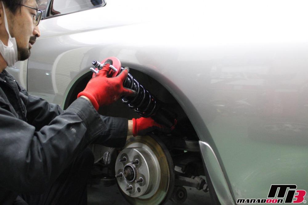 スカイラインGT-R 車高調取付作業の画像