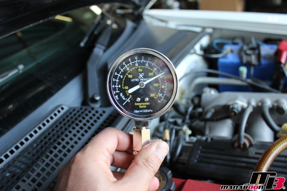S2000エンジン圧縮測定作業の画像