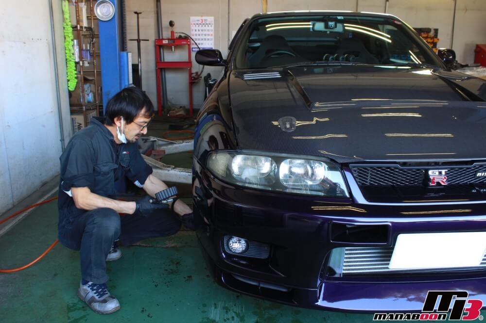スカイラインGT-R車検の点検整備作業の画像