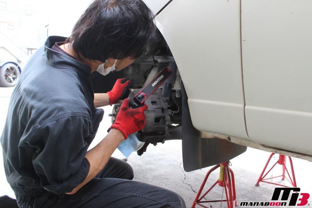 相模原車検点検整備作業の画像