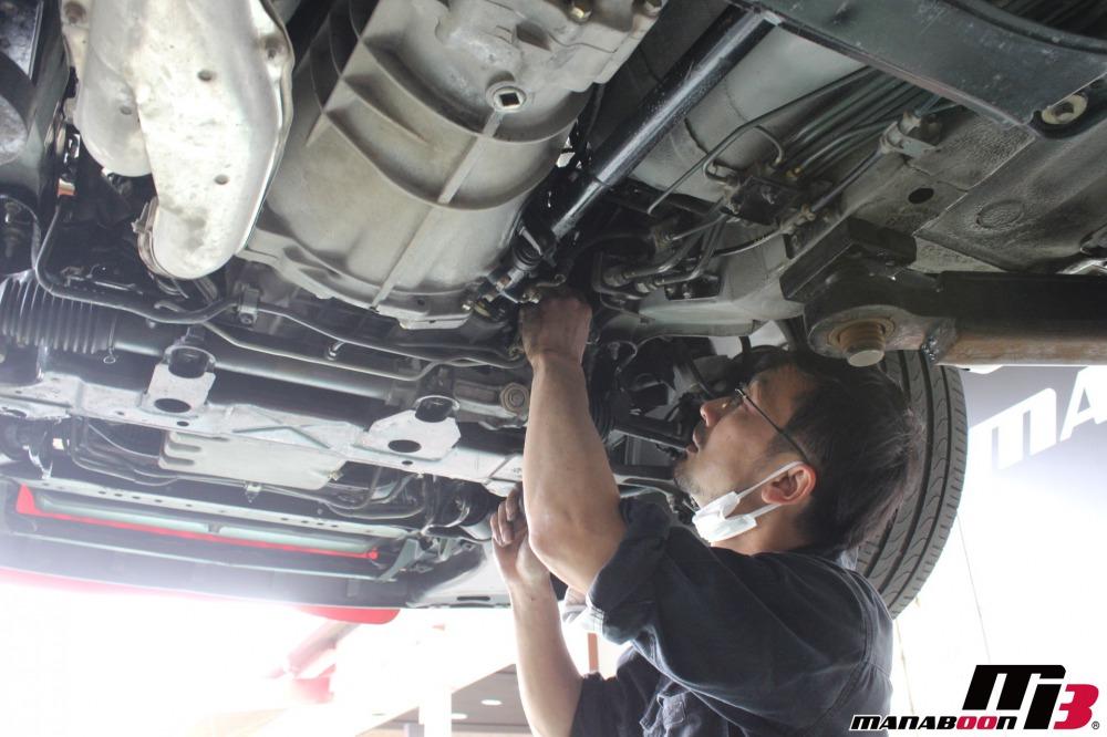 スカイラインGT-Rパワステ修理作業の画像