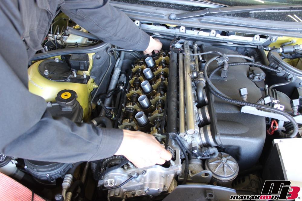 E46M3点検整備作業の画像