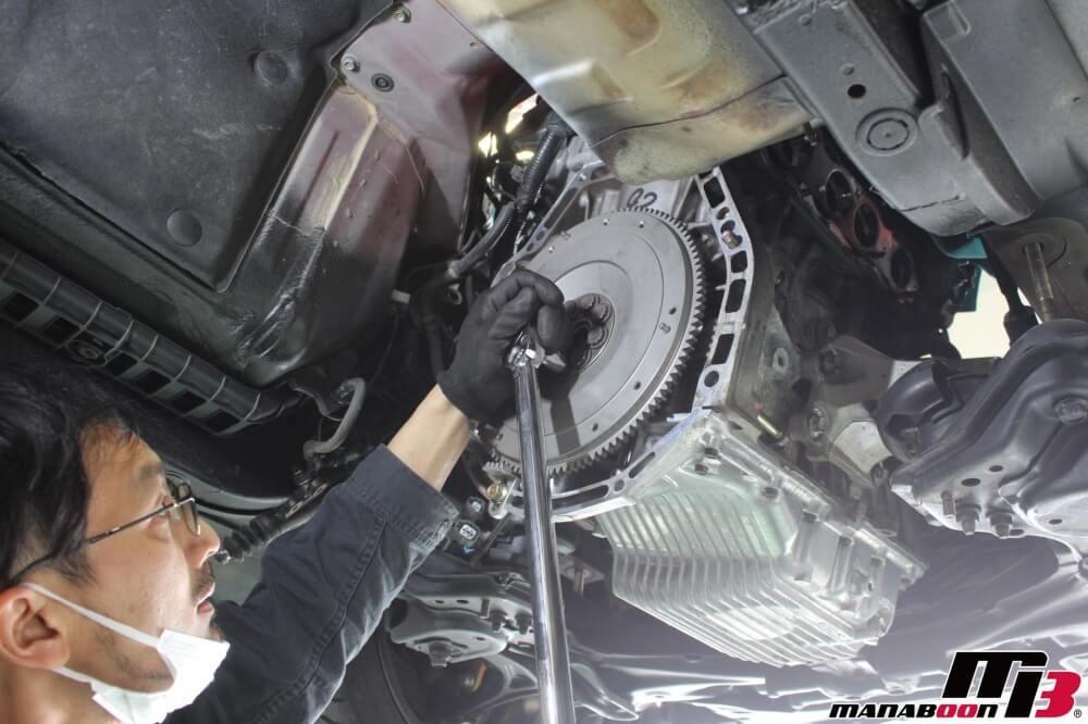 S2000軽量フライホイール交換作業の画像