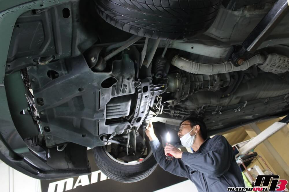 スカイライン車検点検整備作業画像
