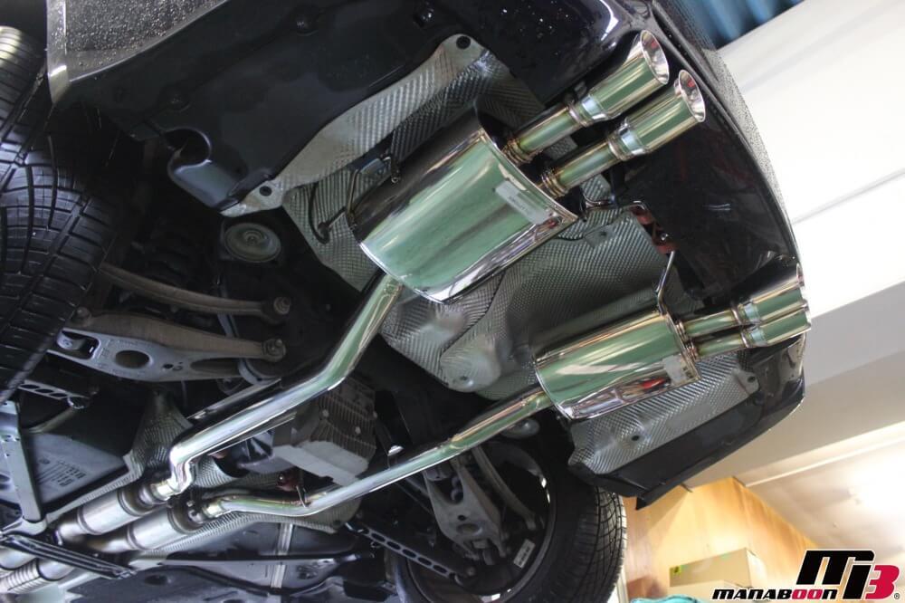 E92M3マフラー交換作業画像