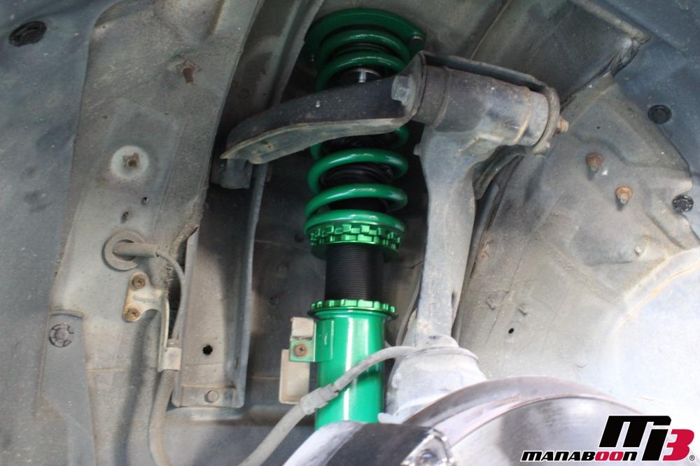 スカイラインGT-R車高調取付作業画像
