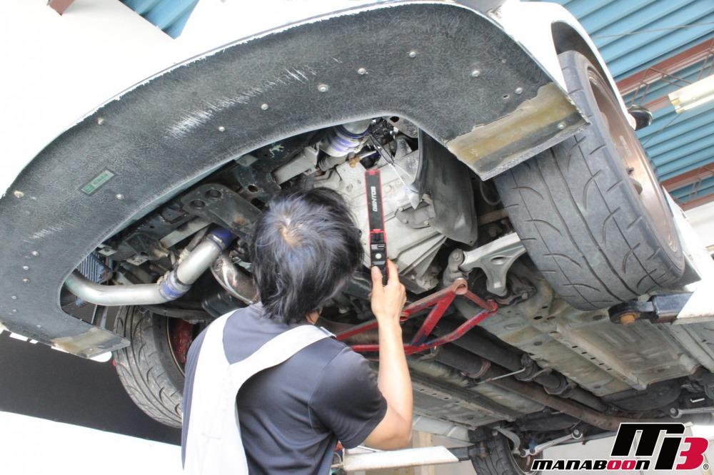 チューニングカー点検整備作業画像