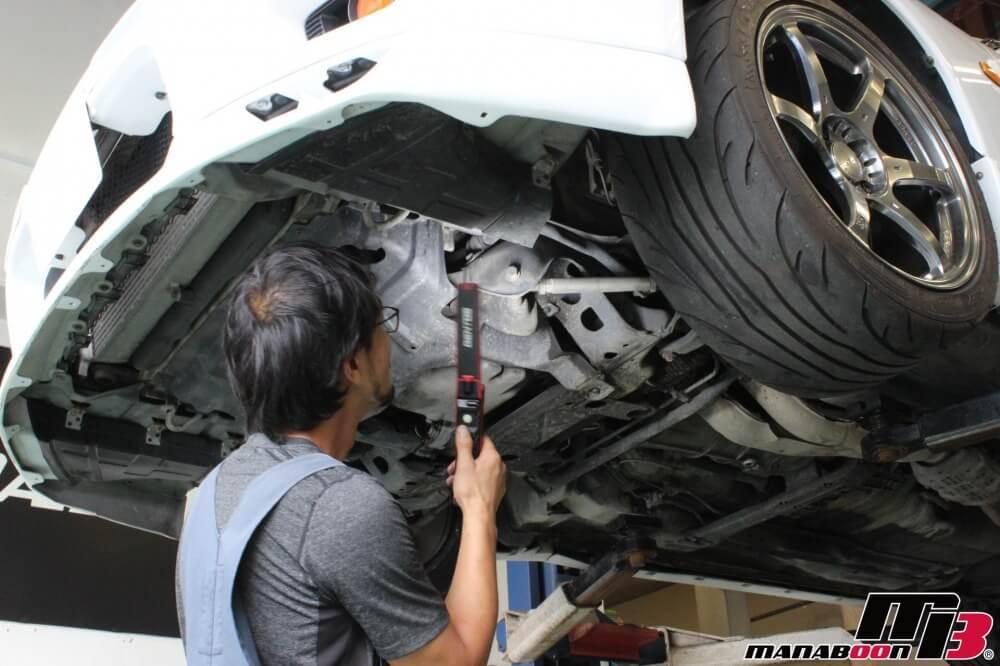 スカイラインGT-R車検前の点検整備作業画像