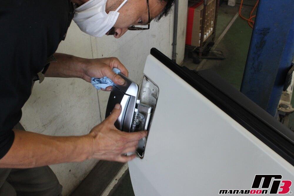 フェアレディZドア開かない修理作業画像