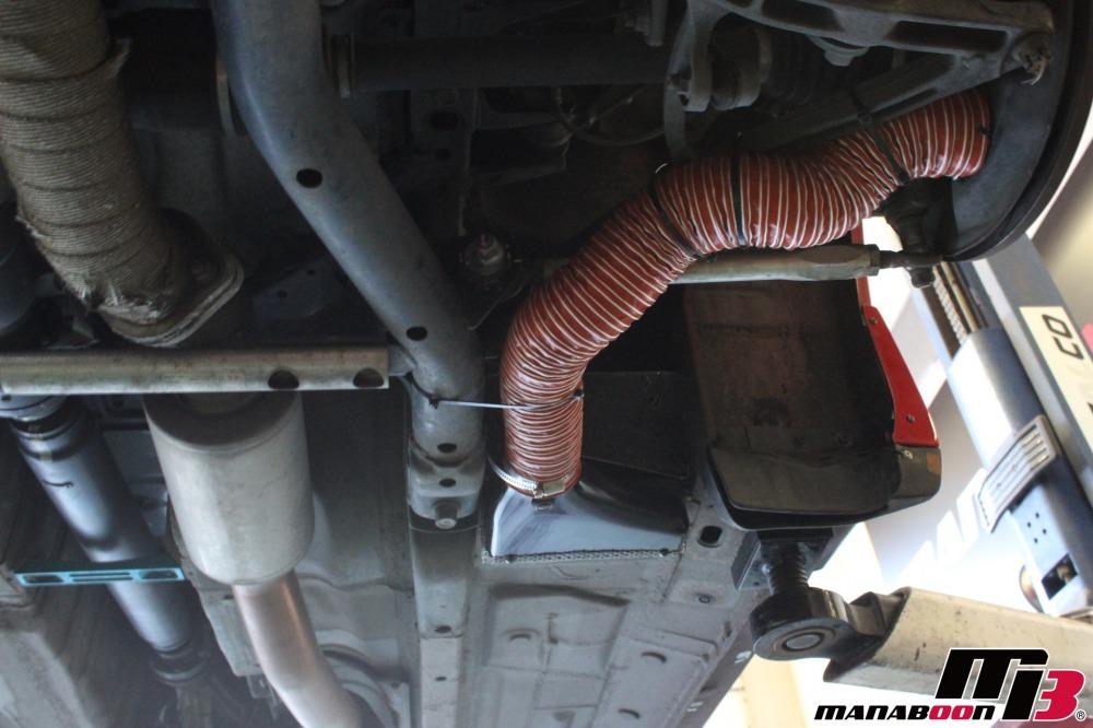 S2000ブレーキダクト取付作業画像