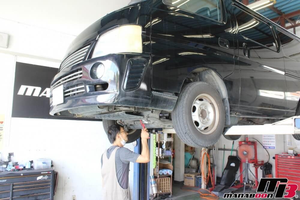 キャラバン車検点検整備作業画像